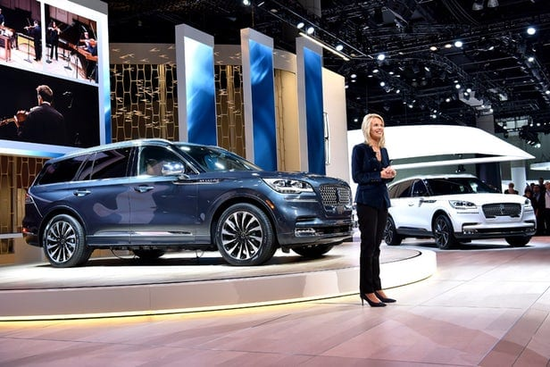 Lincoln Sends The Aviator Suv Soaring With Hybrid Tech Ev Meme